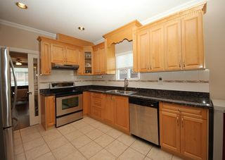 Photo 7: 4292 PARKER Street in Burnaby: Willingdon Heights 1/2 Duplex for sale (Burnaby North)  : MLS®# R2168960