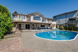 """Photo 1: 2046 MAJESTIC Crescent in Abbotsford: Abbotsford West House for sale in """"Central/Mill Lake Area"""" : MLS®# R2181541"""
