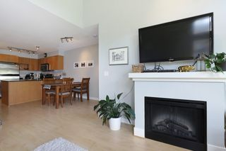 "Photo 5: 420 1633 MACKAY Avenue in North Vancouver: Pemberton Heights Condo for sale in ""TOUCHSTONE"" : MLS®# R2183726"
