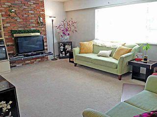 Photo 3: 5566 Chester Street in Vancouver: Fraser VE House for sale (Vancouver East)  : MLS®# V992863