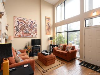 Photo 3: 102 820 Short Street in VICTORIA: SE Quadra Townhouse for sale (Saanich East)  : MLS®# 386254