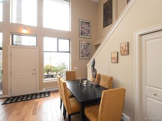 Photo 5: 102 820 Short Street in VICTORIA: SE Quadra Townhouse for sale (Saanich East)  : MLS®# 386254
