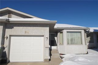 Photo 1: 24 Rundlelawn GR NE in Calgary: Rundle House for sale : MLS®# C4167039