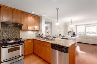 "Photo 4: 206 2103 W 45TH Avenue in Vancouver: Kerrisdale Condo for sale in ""The Legend"" (Vancouver West)  : MLS®# R2245216"