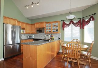 """Photo 7: 310 1465 PARKWAY Boulevard in Coquitlam: Westwood Plateau Townhouse for sale in """"SILVER OAK"""" : MLS®# R2260594"""