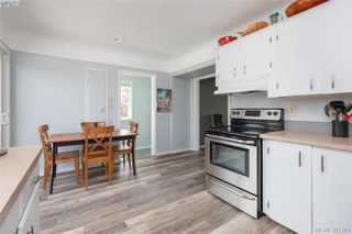 Photo 6: 2921 Gosworth Rd in VICTORIA: Vi Oaklands Single Family Detached for sale (Victoria)  : MLS®# 786626