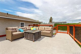 Photo 2: 2921 Gosworth Rd in VICTORIA: Vi Oaklands Single Family Detached for sale (Victoria)  : MLS®# 786626