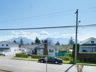 "Photo 14: 205 46165 GORE Avenue in Chilliwack: Chilliwack E Young-Yale Condo for sale in ""Charming Old Town Chilliwack"" : MLS®# R2289841"
