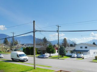 "Photo 13: 205 46165 GORE Avenue in Chilliwack: Chilliwack E Young-Yale Condo for sale in ""Charming Old Town Chilliwack"" : MLS®# R2289841"