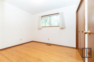 Photo 10: 1042 Garwood Avenue in Winnipeg: Residential for sale (1Bw)  : MLS®# 1820911