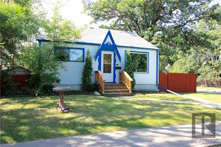 Photo 1: 300 Linden Avenue in Winnipeg: East Kildonan Residential for sale (3D)  : MLS®# 1822592