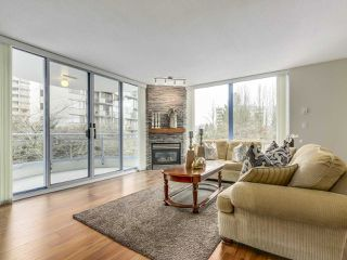 "Photo 2: 302 719 PRINCESS Street in New Westminster: Uptown NW Condo for sale in ""STIRLING PLACE"" : MLS®# R2344844"