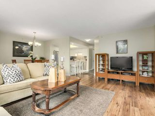 "Photo 5: 302 719 PRINCESS Street in New Westminster: Uptown NW Condo for sale in ""STIRLING PLACE"" : MLS®# R2344844"