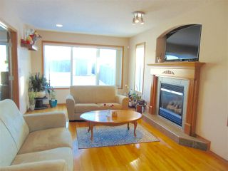 Photo 4: 10448 182A Avenue in Edmonton: Zone 27 House for sale : MLS®# E4149036