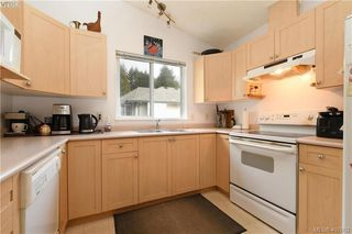Photo 10: 2873 Young Place in VICTORIA: La Glen Lake Strata Duplex Unit for sale (Langford)  : MLS®# 407802
