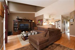 Photo 2: 2873 Young Place in VICTORIA: La Glen Lake Strata Duplex Unit for sale (Langford)  : MLS®# 407802
