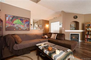 Photo 3: 2873 Young Place in VICTORIA: La Glen Lake Strata Duplex Unit for sale (Langford)  : MLS®# 407802