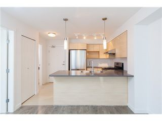 """Photo 2: 215 12339 STEVESTON Highway in Richmond: Ironwood Condo for sale in """"MAGNOLIA AT THE GARDENS"""" : MLS®# R2370917"""