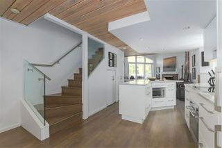 """Photo 6: 215 1045 W 8TH Avenue in Vancouver: Fairview VW Townhouse for sale in """"GREENWOOD PLACE"""" (Vancouver West)  : MLS®# R2377457"""