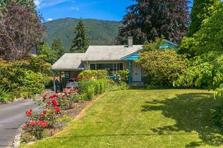 Photo 2: 1056 RUTHINA Avenue in North Vancouver: Canyon Heights NV House for sale : MLS®# R2381585