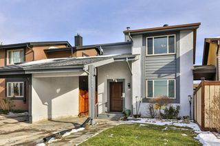 Main Photo: 2824 66 Street NE in Calgary: Pineridge Detached for sale : MLS®# C4274785