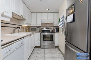 "Photo 4: 2702 183 KEEFER Place in Vancouver: Downtown VW Condo for sale in ""Paris Place"" (Vancouver West)  : MLS®# R2424317"