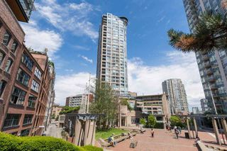 "Photo 1: 2702 183 KEEFER Place in Vancouver: Downtown VW Condo for sale in ""Paris Place"" (Vancouver West)  : MLS®# R2424317"