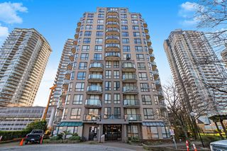 """Main Photo: 1402 828 AGNES Street in New Westminster: Downtown NW Condo for sale in """"WESTMINSTER TOWERS"""" : MLS®# R2437776"""