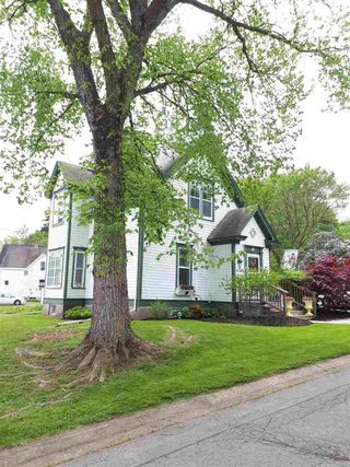 Photo 1: 27 Elm Street in New Glasgow: 106-New Glasgow, Stellarton Residential for sale (Northern Region)  : MLS®# 202004148