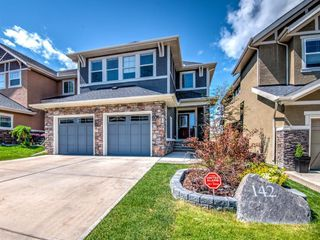 Main Photo: 142 VALLEY POINTE Way NW in Calgary: Valley Ridge Detached for sale : MLS®# C4306247