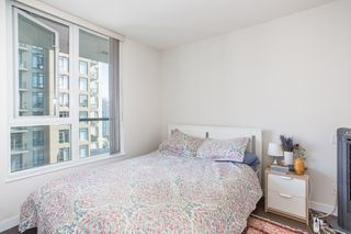 "Photo 13: 1605 1010 RICHARDS Street in Vancouver: Yaletown Condo for sale in ""The Gallery"" (Vancouver West)  : MLS®# R2487473"