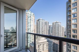 "Photo 10: 1605 1010 RICHARDS Street in Vancouver: Yaletown Condo for sale in ""The Gallery"" (Vancouver West)  : MLS®# R2487473"