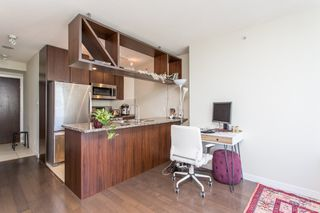 "Photo 4: 1605 1010 RICHARDS Street in Vancouver: Yaletown Condo for sale in ""The Gallery"" (Vancouver West)  : MLS®# R2487473"