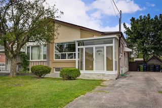 Photo 26: 17 Chapman Avenue in Toronto: O'Connor-Parkview House (Bungalow) for sale (Toronto E03)  : MLS®# E4904618