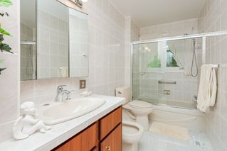 Photo 39: 124 Windermere Drive in Edmonton: Zone 56 House for sale : MLS®# E4217927
