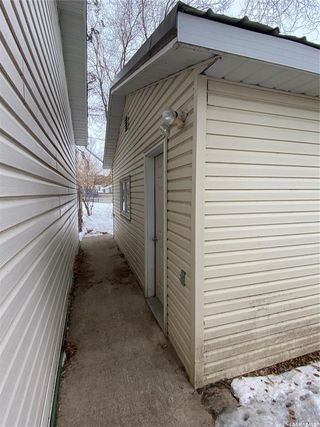 Photo 7: 314 Douglass Street in Outlook: Residential for sale : MLS®# SK837657