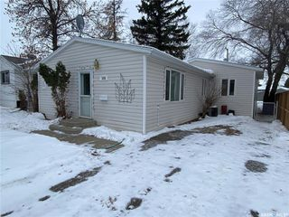 Photo 1: 314 Douglass Street in Outlook: Residential for sale : MLS®# SK837657