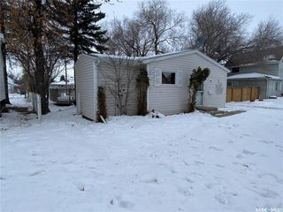 Photo 5: 314 Douglass Street in Outlook: Residential for sale : MLS®# SK837657