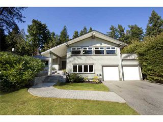 "Photo 1: 4640 WOODBURN RD in West Vancouver: Cypress Park Estates House for sale in ""CYPRESS PARK ESTATES"" : MLS®# V936602"