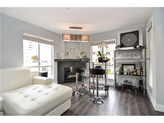 Photo 4: 303 6 RENAISSANCE Square in New Westminster: Quay Condo for sale : MLS®# V1004198