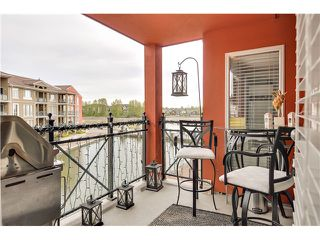 Photo 10: 303 6 RENAISSANCE Square in New Westminster: Quay Condo for sale : MLS®# V1004198