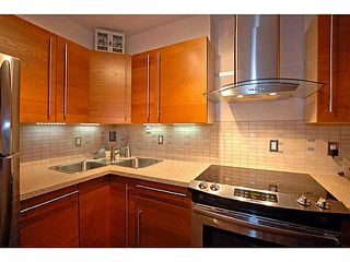 Photo 3: # 206 436 7 ST in New Westminster: Uptown NW Condo for sale : MLS®# V989182