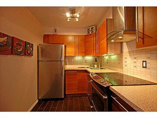 Photo 2: # 206 436 7 ST in New Westminster: Uptown NW Condo for sale : MLS®# V989182