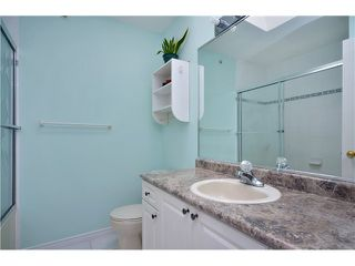 Photo 12: 1020 E 10TH AV in Vancouver: Mount Pleasant VE House 1/2 Duplex for sale (Vancouver East)  : MLS®# V1031216