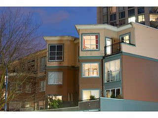 """Photo 1: 404 131 W 3RD Street in North Vancouver: Lower Lonsdale Condo for sale in """"Seascape Landing"""" : MLS®# V1044034"""