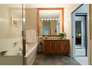 "Photo 17: 404 131 W 3RD Street in North Vancouver: Lower Lonsdale Condo for sale in ""Seascape Landing"" : MLS®# V1044034"