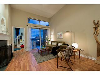 "Photo 3: 404 131 W 3RD Street in North Vancouver: Lower Lonsdale Condo for sale in ""Seascape Landing"" : MLS®# V1044034"