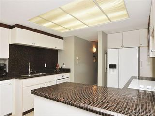 Photo 6: 903 630 Montreal Street in VICTORIA: Vi James Bay Condo Apartment for sale (Victoria)  : MLS®# 345907