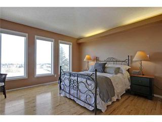 Photo 11: 68 STRADDOCK Crescent SW in Calgary: Strathcona Park House for sale : MLS®# C3653341