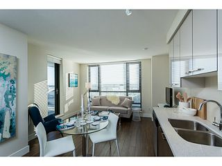 """Photo 3: 1304 258 SIXTH Street in New Westminster: Uptown NW Condo for sale in """"258"""" : MLS®# V1117443"""